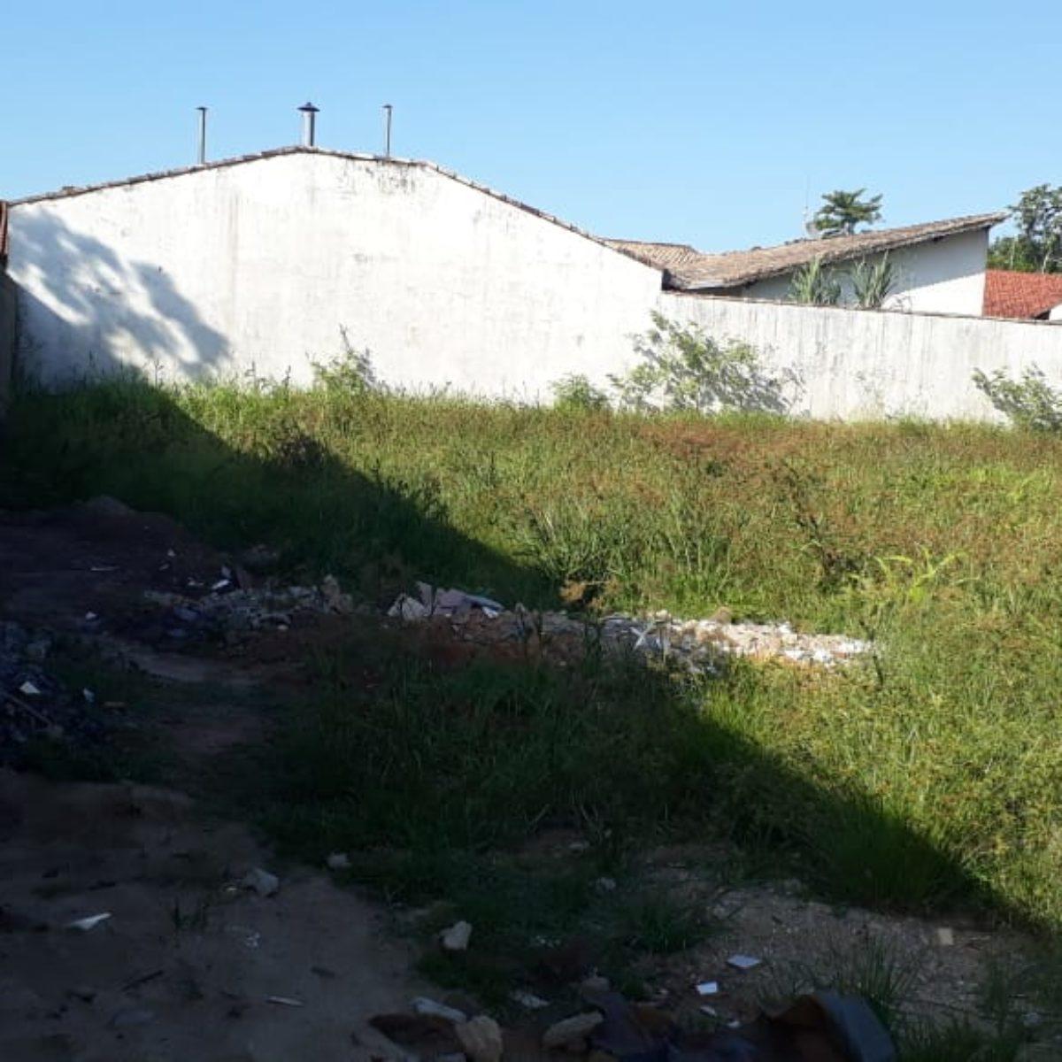 Terrenos em Peruíbe em Loteamento Fechado