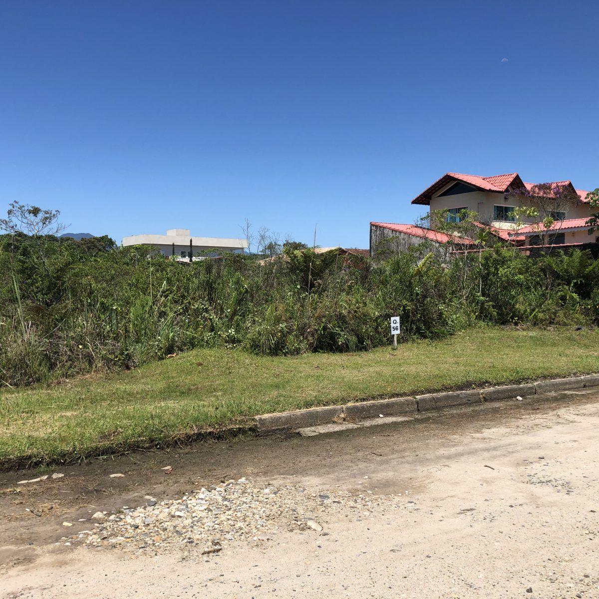 Terrenos em Peruíbe em Loteamento Fechado, Promoção